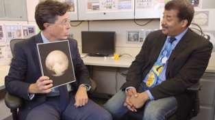 Stephen Colbert Discusses Pluto With Neil deGrasse Tyson