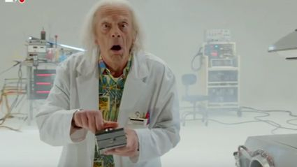 Back To The Future - Doc Brown Saves The World