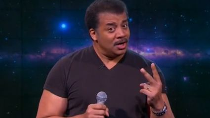 "Cool Guy Scientist Neil DeGrasse Tyson Destroys B.o.B On His ""The World Is Flat"" Claims"