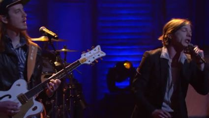 Cage The Elephant - Trouble (Live On Conan)