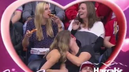 Girl On Kiss Cam Crushes Pizza And Doesn't Give Two F*cks!