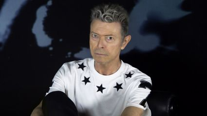 Something Really Awesome Happens When You Leave David Bowie's 'Blackstar' Album In The Sun