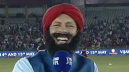 Danny Morrison Dresses Up In Indian Garb With Fake Beard For IPL Commentary
