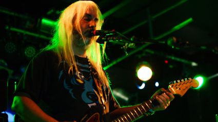Photos of Dinosaur Jr. live in Auckland