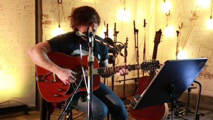Watch Ryan Adams cover Bruce Springsteen