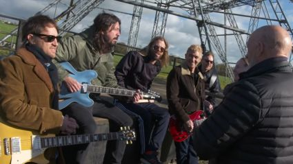 Foo Fighters show up to play Glastonbury 4 months early so play pub instead