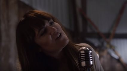 """Check out the new video from Angus & Julia Stone for the song """"Snow"""""""