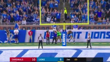 Please enjoy this NFL cameraman getting smoked in the nuts