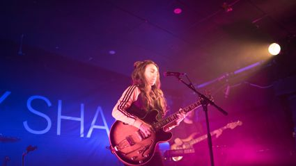 Photos of Amy Shark live in Auckland