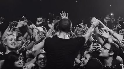 "Linkin Park have released a live version of ""Crawling"""