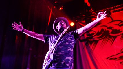 Photos of Fat Freddy's Drop live at Villa Maria