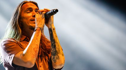 Photos of Incubus live in Auckland