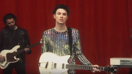 """Here's the video for James Bay's track """"Pink Lemonade"""""""