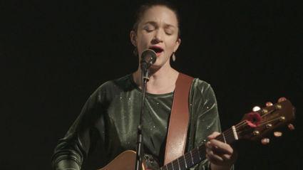 EXCLUSIVE: Julia Deans live at Radio Hauraki