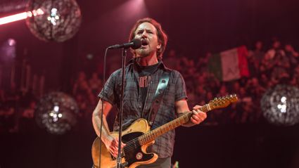 "Watch Eddie Vedder cover ""Help!"" in Prague"