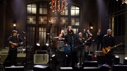 """Watch the Foo Fighters debut new song """"Shame Shame"""" on 'Saturday Night Live'"""
