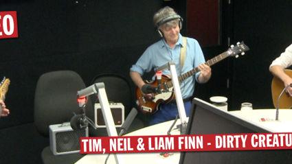Tim, Neil & Liam Finn - Dirty Creature (Live)